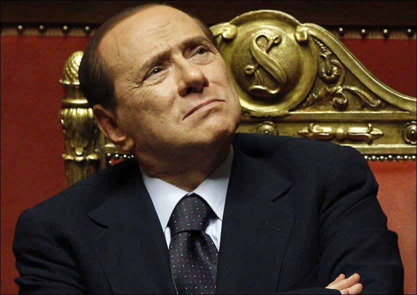TILBAKE I STATSMINISTERSTOLEN?: Tidligere statsminister Silvio Berlusconi hevder han blir overveldet av forespørsler om å stille til valg neste år. Foto: REUTERS