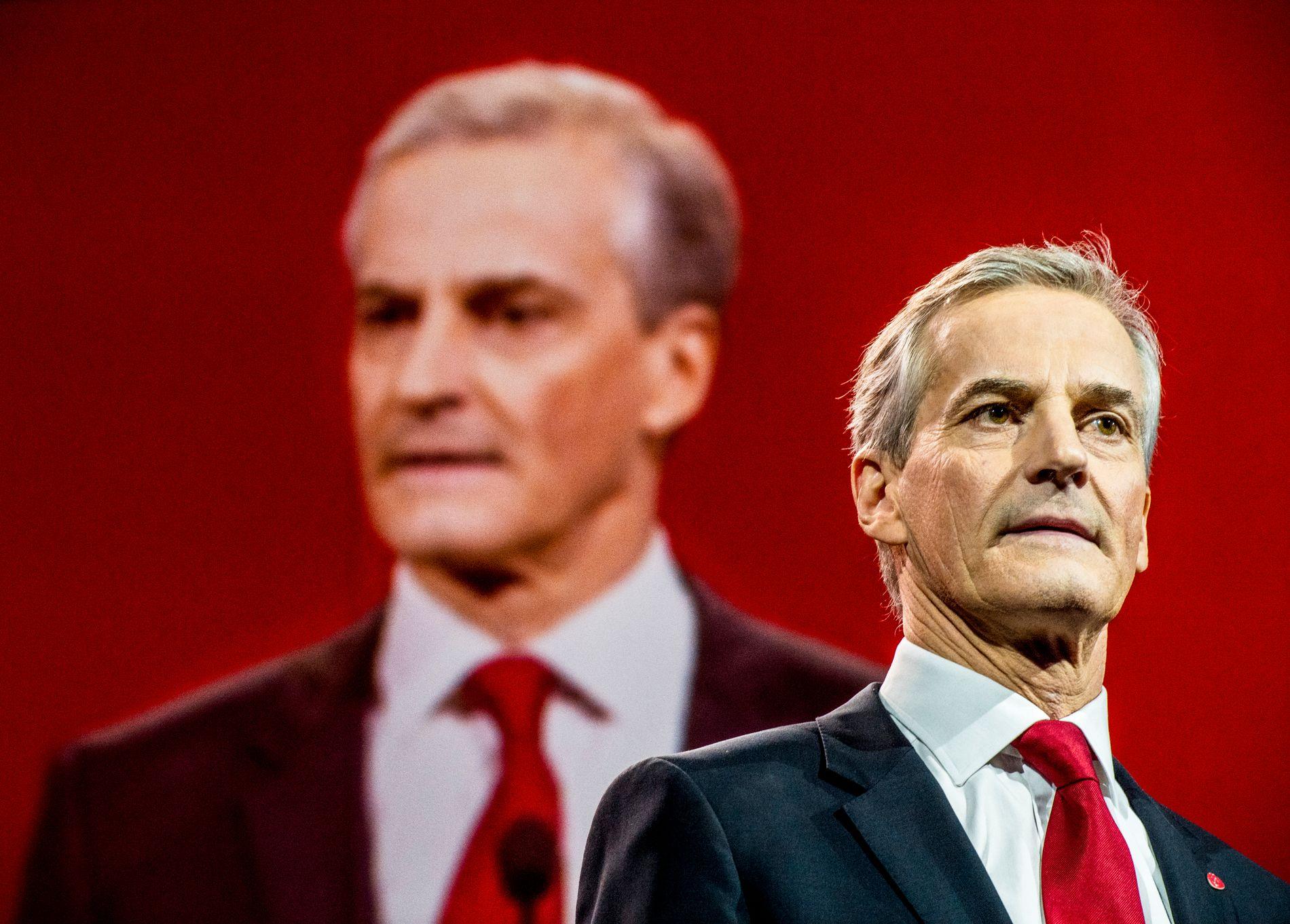 GLAD FOR AVKLARING: AP-leder Jonas Gahr Støre synes det er bra at velgerne nå vet hvor Venstre står. Foto: HELGE MIKALSEN