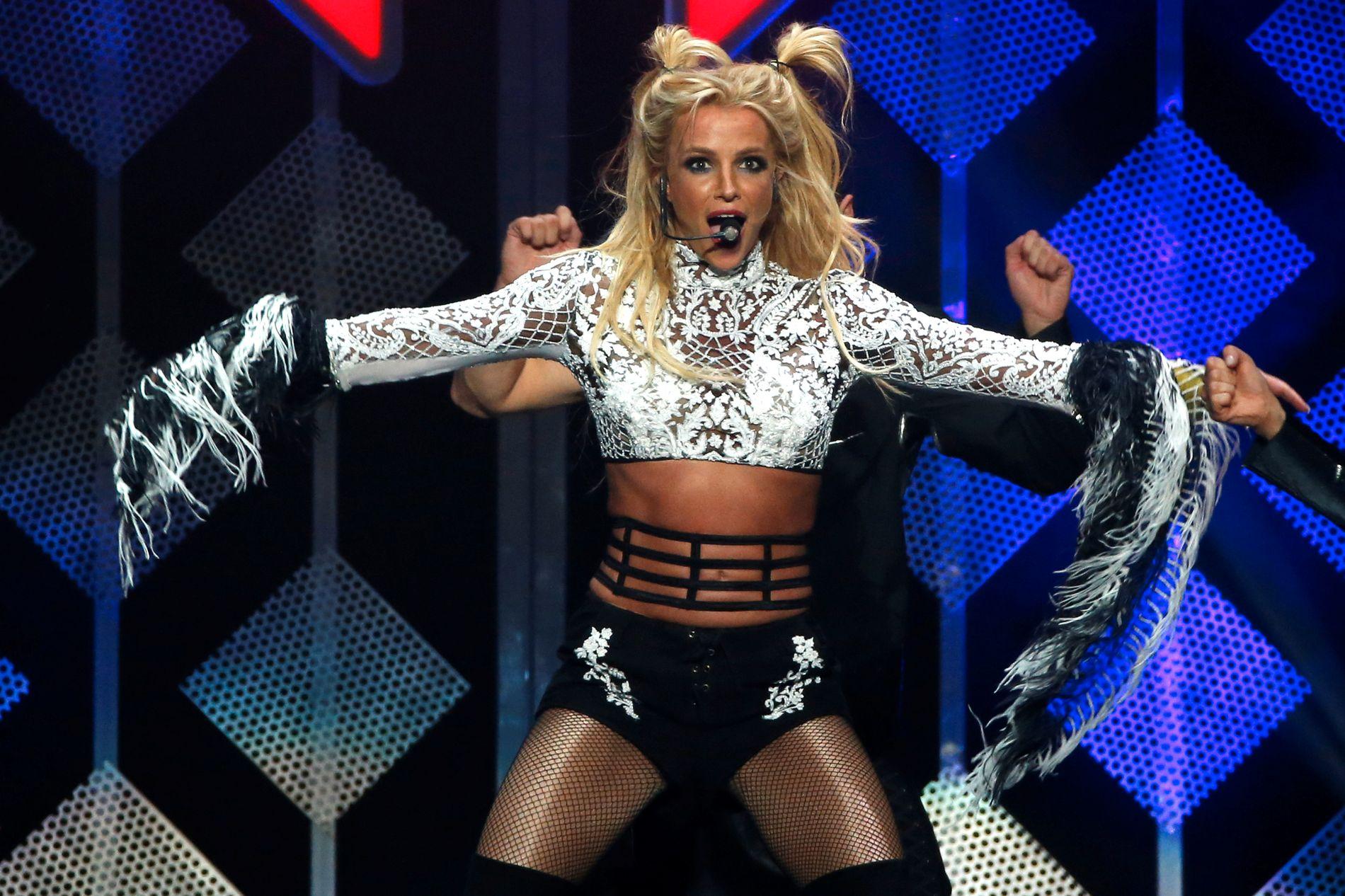 SETTER NYE REKORDER: Britney Spears (35) har satt fått livet på fote igjen 10 år etter. I jauar ble det kjent at 35-åringen har dratt inn billettinntekter på 103 millioner dollar - drøyt 845 millioner kroner på showet «Britney: Piece Of Me» som hun opptrer med i Las Vegas.