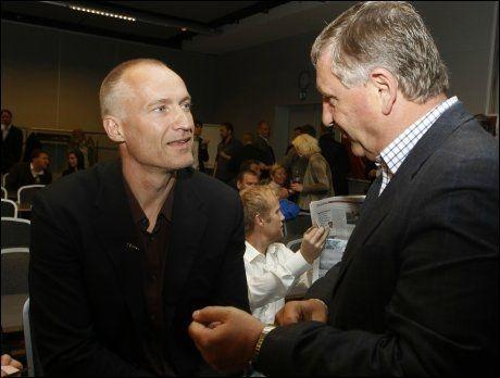 SENTRALE: Sportssjef Bjørn Taalesen og Erik Thorstvedt presenterte TV 2's Premier League-satsing fredag. Foto: Scanpix