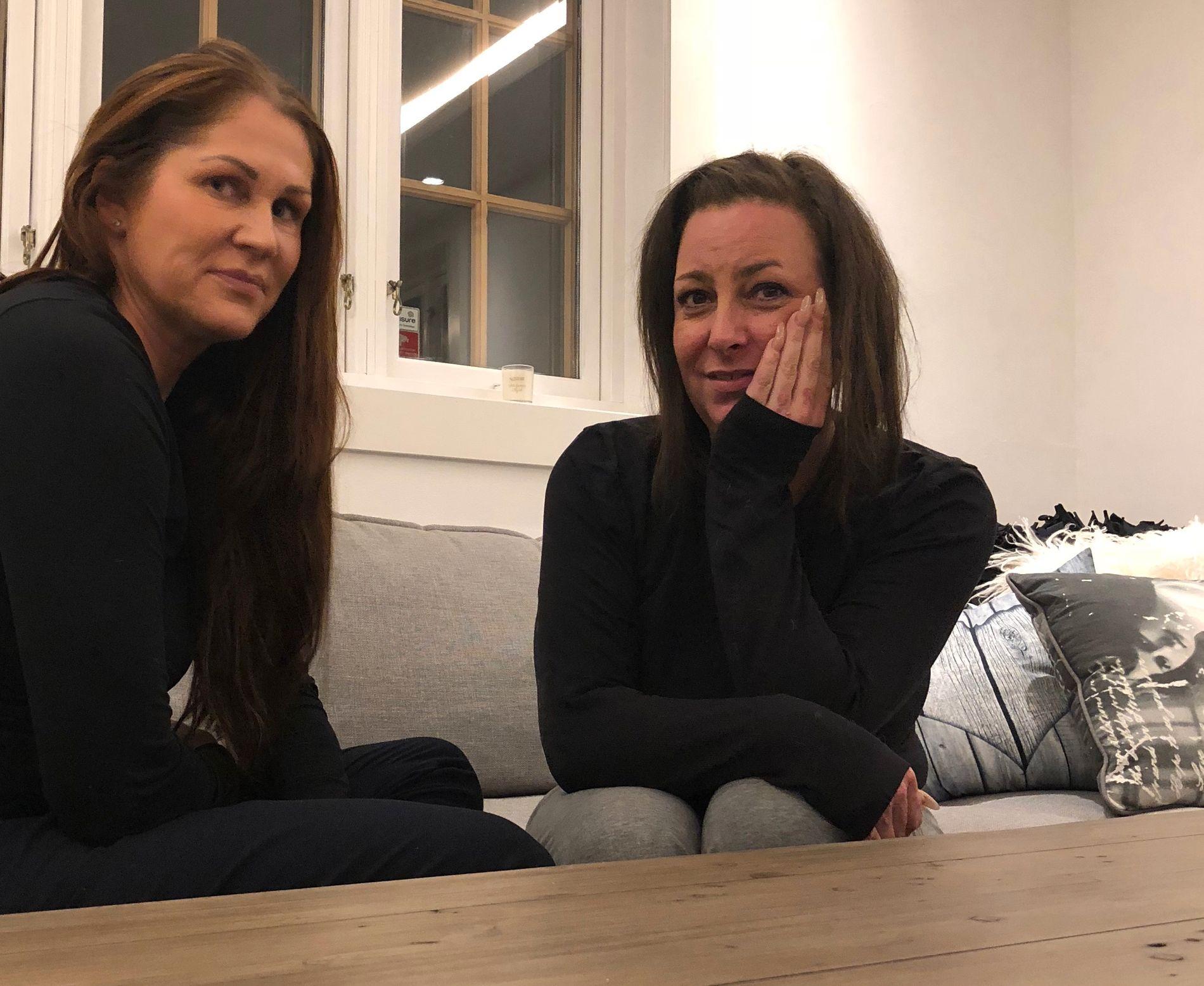 STALL: Hanne Westgaard (til venstre) og Pia Sørensen (til høyre) har drevet stallen «Cheval» siden mai i år.