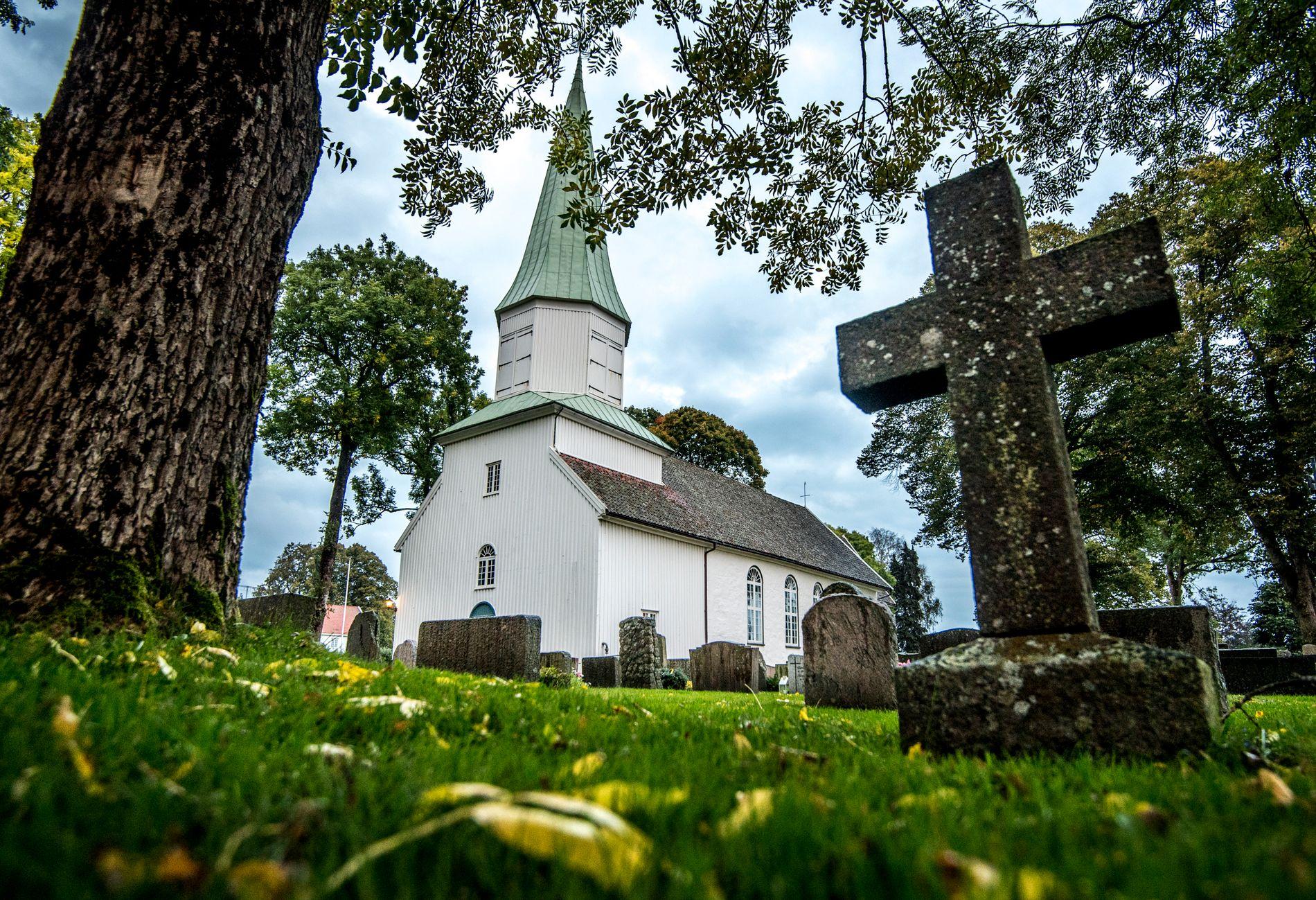 BISETTELSE: Øystein Hagel Pedersen ble bisatt i Oddernes kirke i 2014. Foto: HELGE MIKALSEN, VG