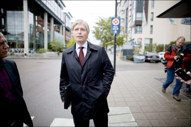 SER ALVORET:  Leder i Stortingets energi- og miljøkomité Ola Elvestuen (V) mener regjeringen må våkne og innse alvoret i klimatrusselen.Foto: KRISTER SØRBØ/VG