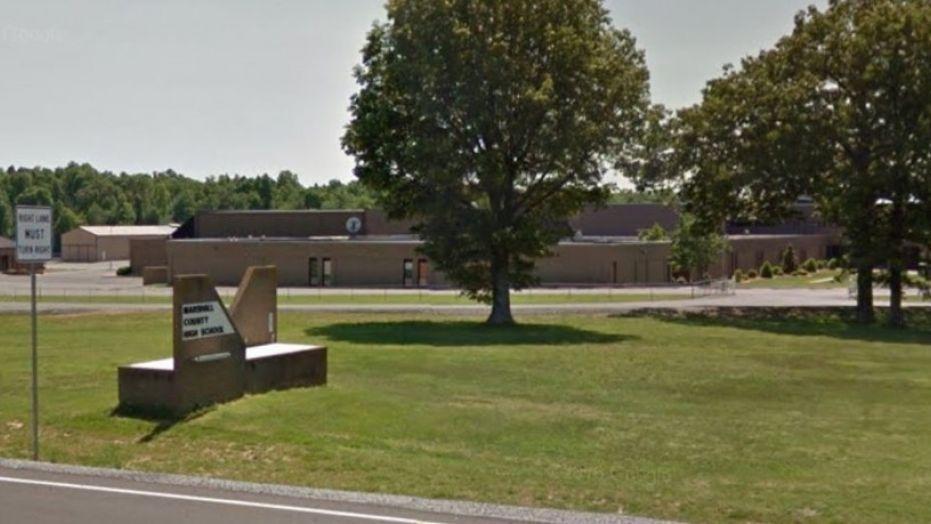 Marshall County High School i Benton i delstaten Kentucky hvor to person ble drept og 19 skadet etter skyting tirsdag morgen.