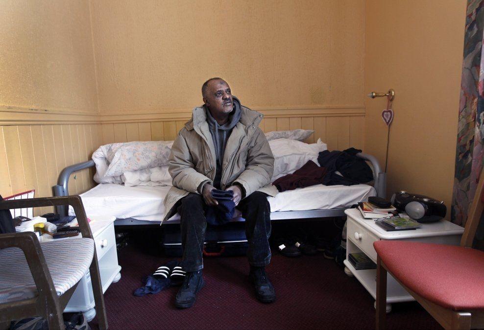 SAKSØKER STATEN: Yemane Teferi (56), her på asylmottaket i 2012. Foto: HALLGEIR VÅGENES/VG