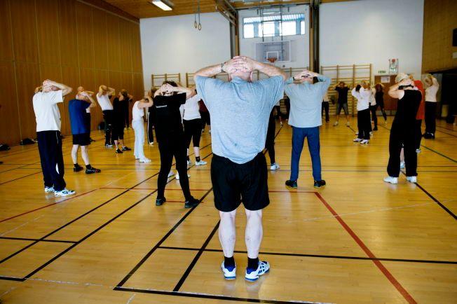 TRIM BRA FOR HJERNEN: Ny forskning viser at fysisk aktivitet reduserer risikoen for Alzheimers med hele 50 prosent. I tillegg har trening som kjent en rekke andre gode effekter på helsen. Her fra en trening for eldre på Idrettshøgskolen i Oslo.