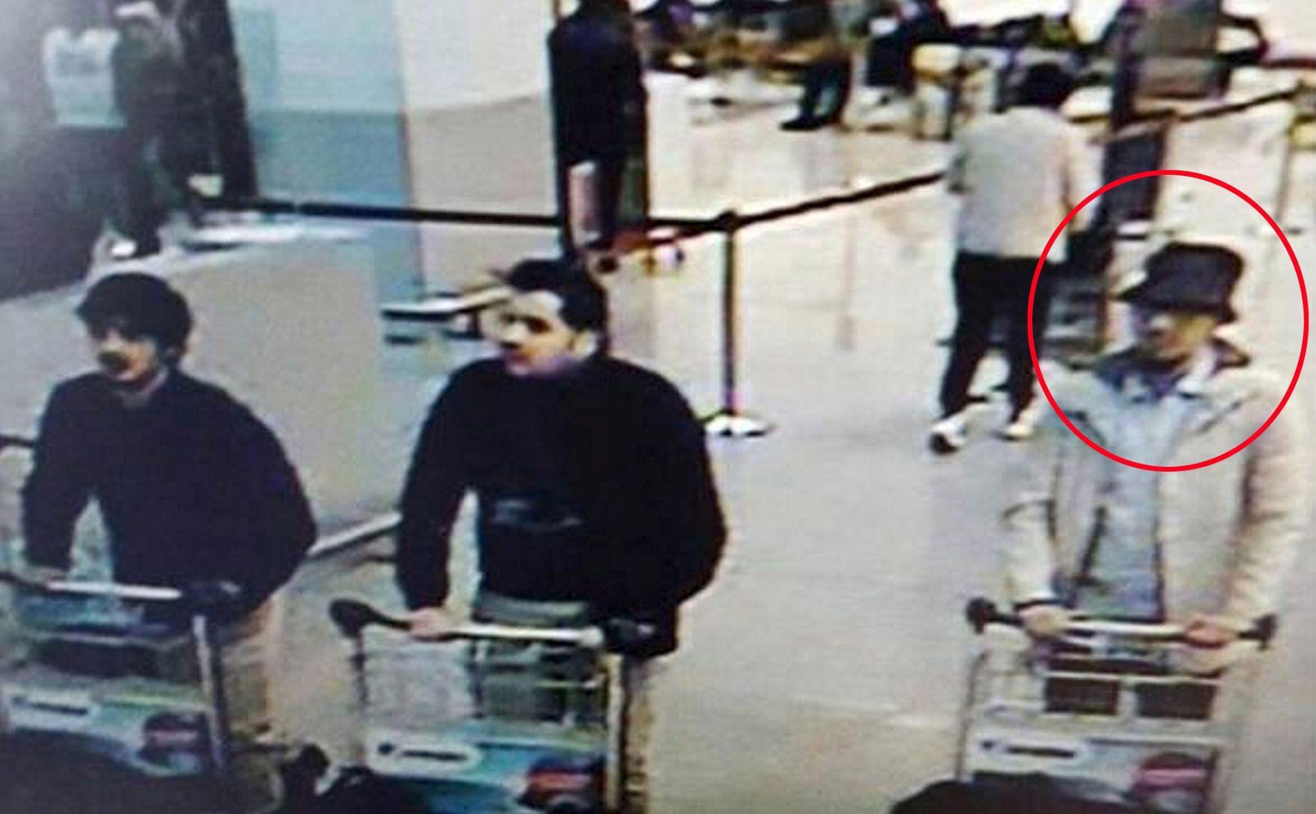 MISTENKT: Mens de to andre selsvmordsbomberne skal være døde, har «mannen med hatt» ikke ha vært indentifisert tidligere.