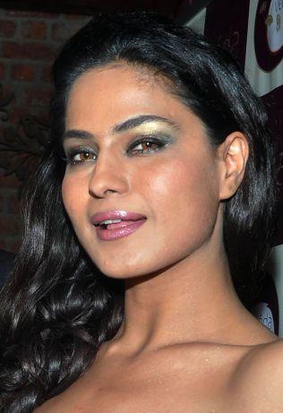 GLAMORØS: Veena Malik har tidligere mottatt dødstrusler fra militante grupper på grunn av sitt virke som skuespiller.