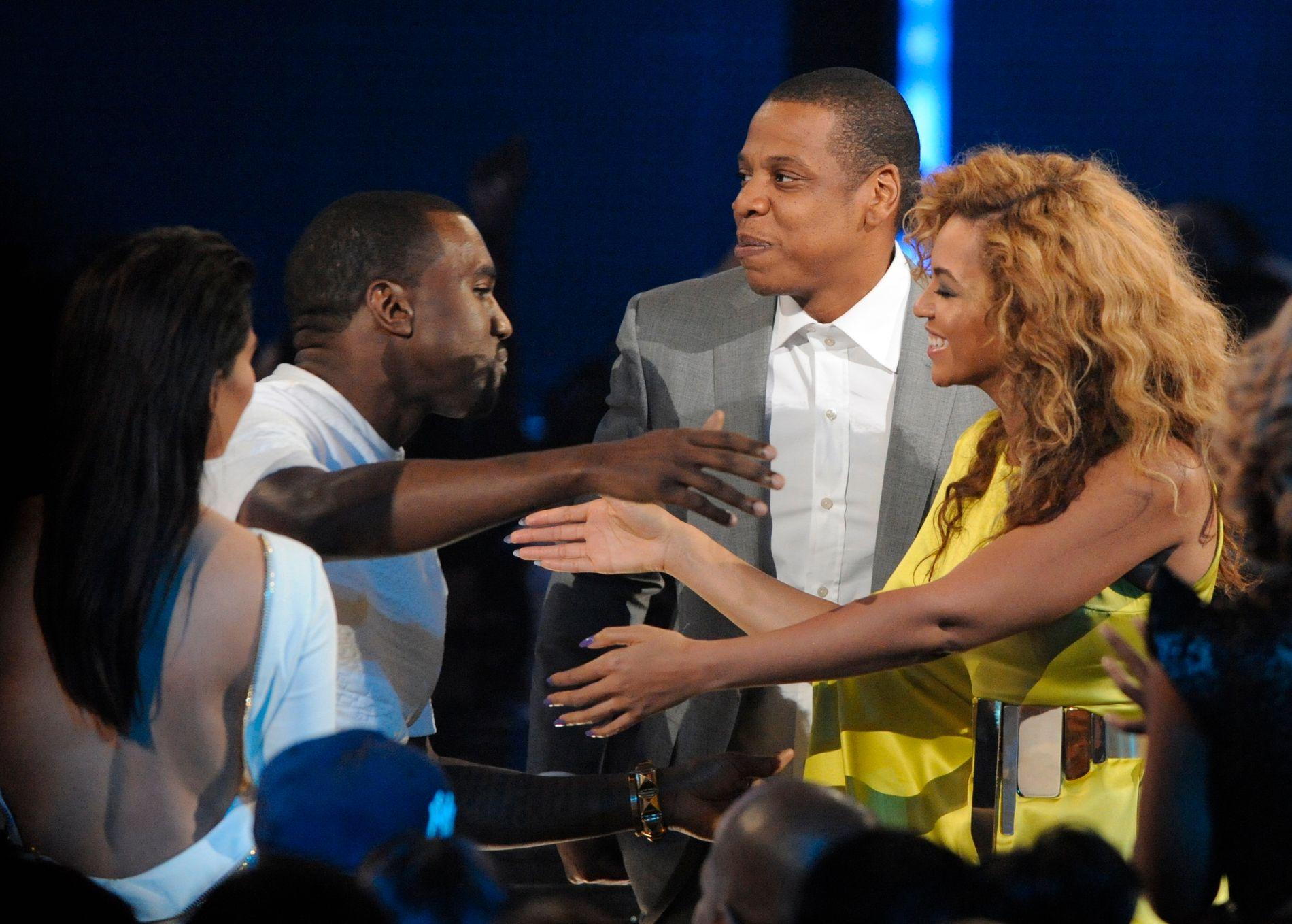 PÅ EIERSIDEN: Både Kanye West, Jay Z og Beyoncé har vært inne eller er på eiersiden i Tidal. Her er artistene sammen på BET Awards i 2012.