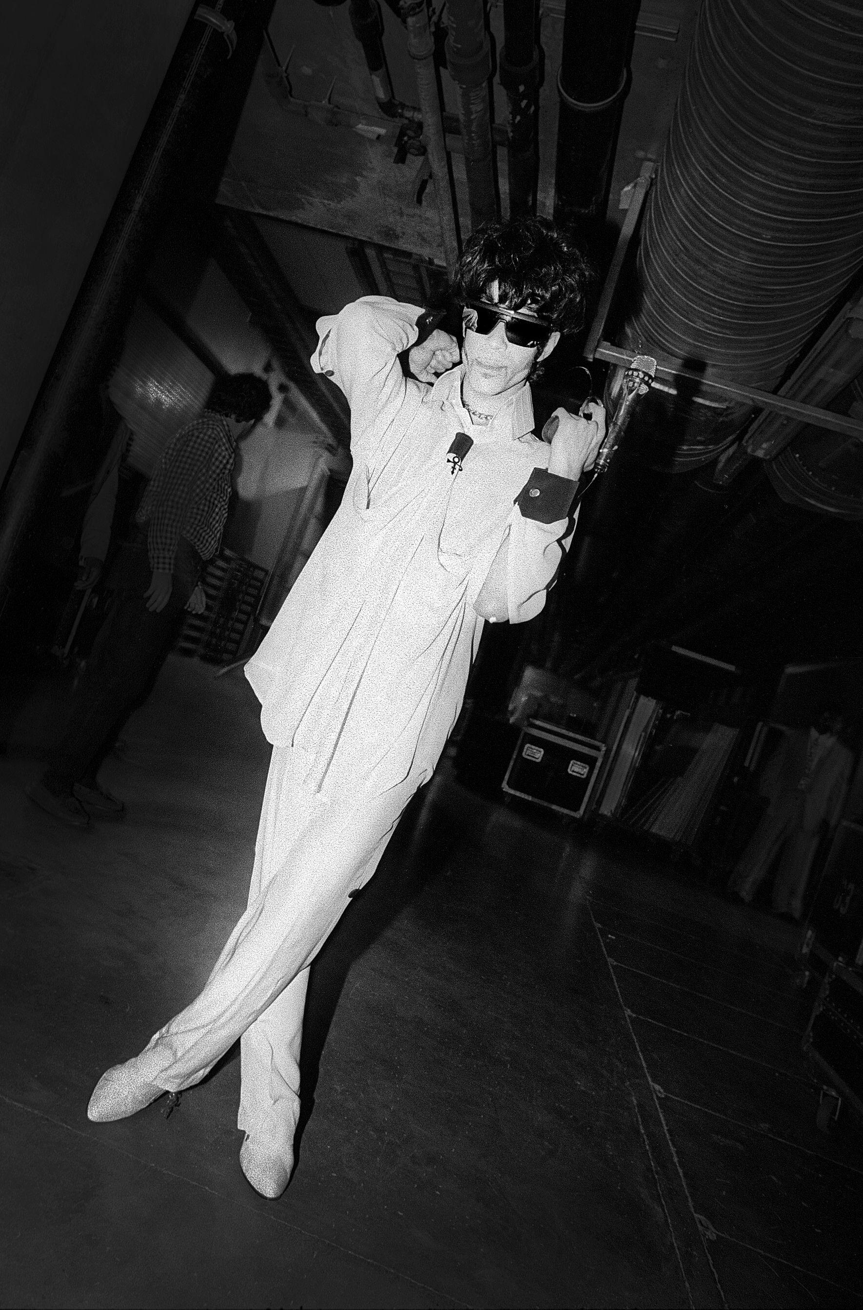 DRESSED UP: Slik ble Prince foreviget av Stian Andersen rett før sin Oslo-konsert i 1992. Neste uke er fotografiet en del av Andersens utstilling «Icons».