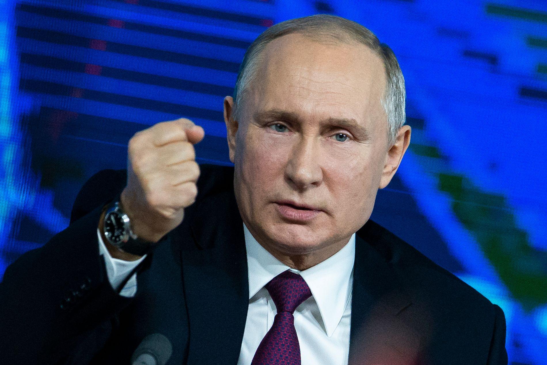 FÅR EN ADVARSEL: Den russiske presidenten Vladimir Putin, her under en nyhetskonferanse i Moskva i desember i fjor.