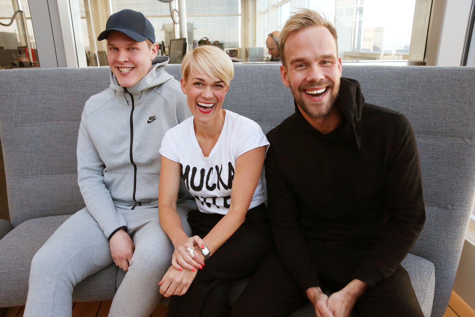 BIKKET SYVSIFRET: Vegard Harm, Sigrid Bonde Tusvik og Morten Hegseth. Lisa Tønne kunne ikke være tilstede da bildet ble tatt.