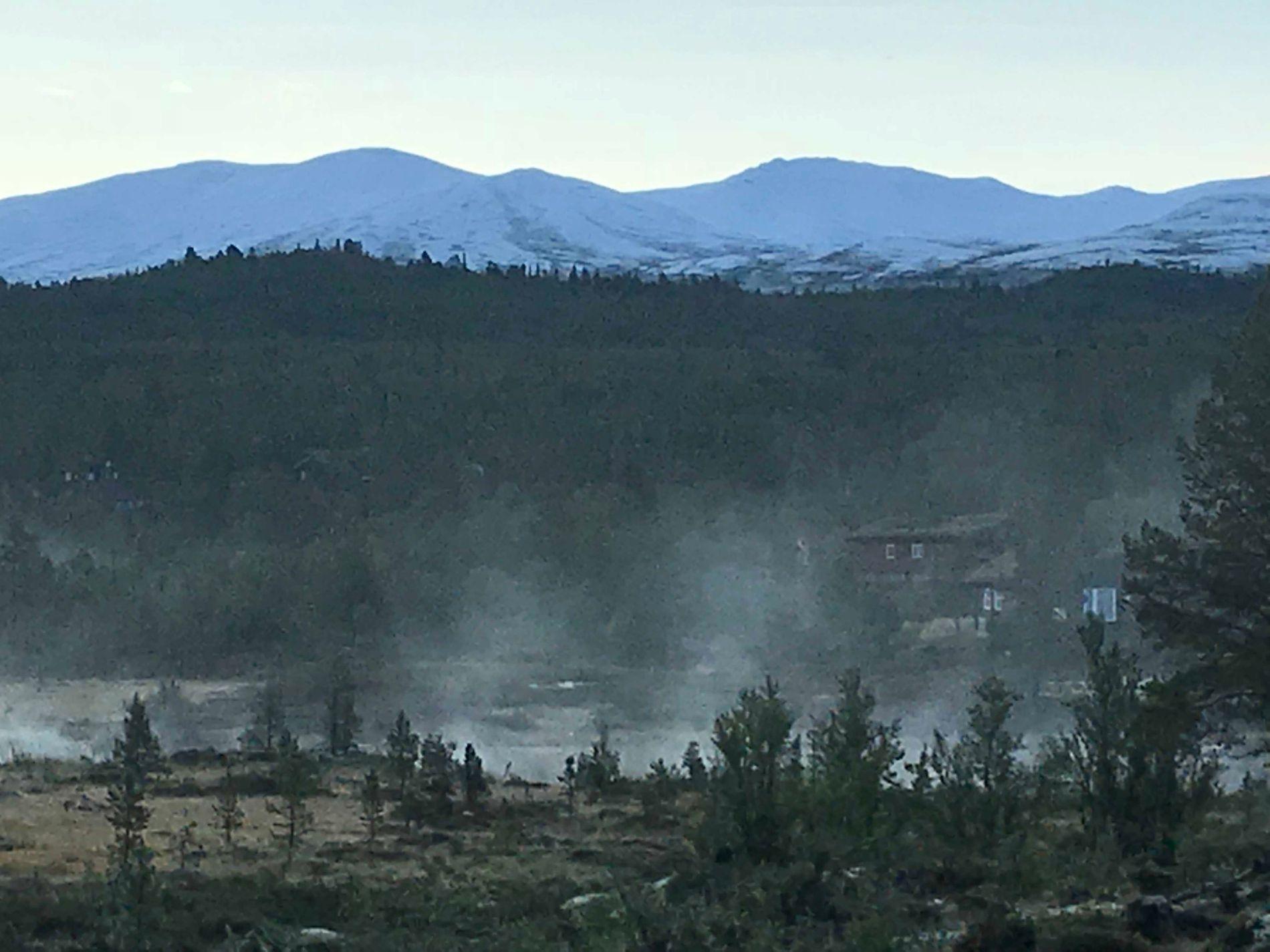 VAKKERT: Dette er synet som møtte hytteeiere i Skåbu lørdag morgen.