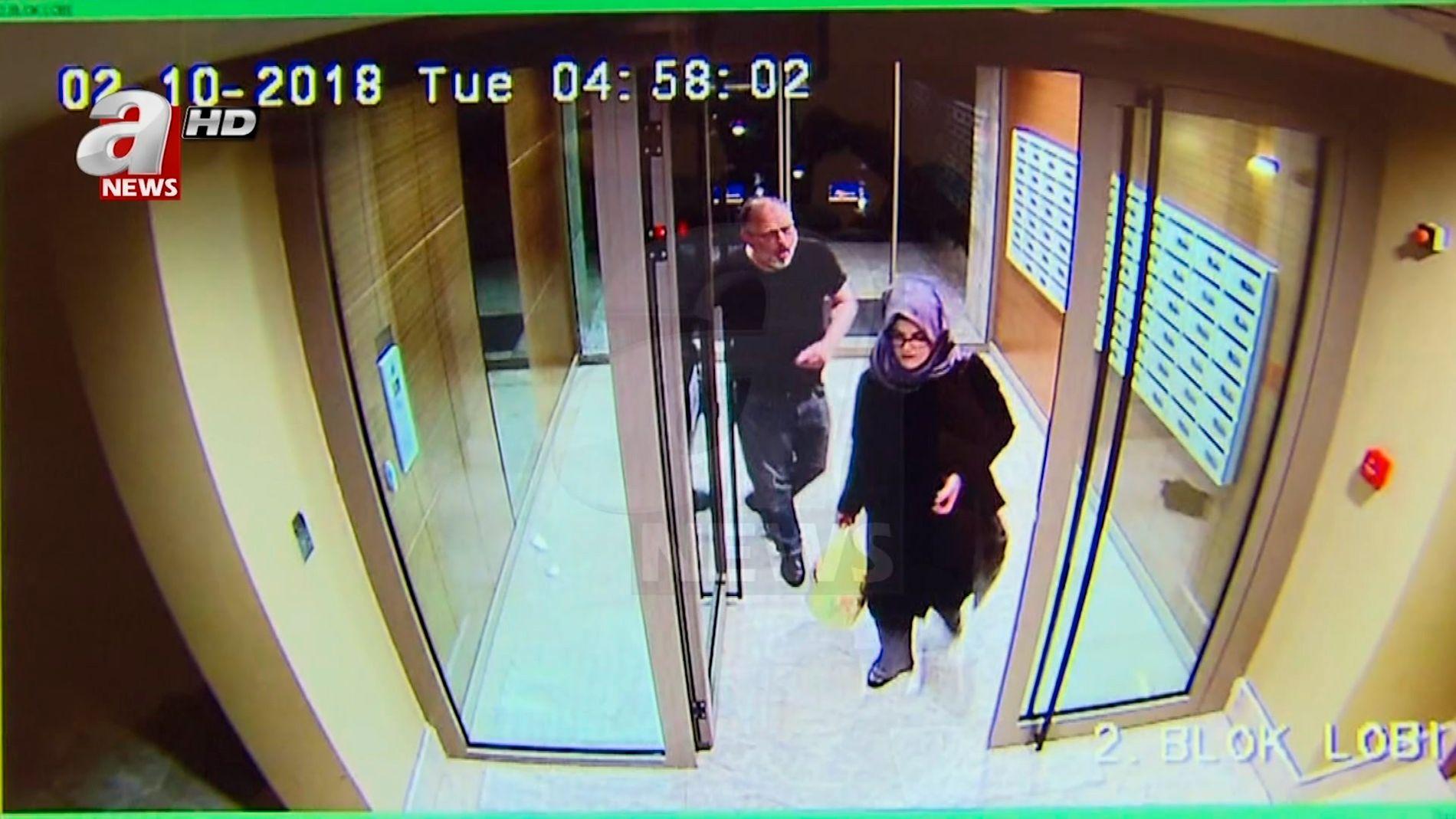 TIMENE FØR: Et overvåkningskamera har fanget opp det forlovede paret Hatice og Jamal i et leilighetskompleks i Istanbul, bare timer før hans død.