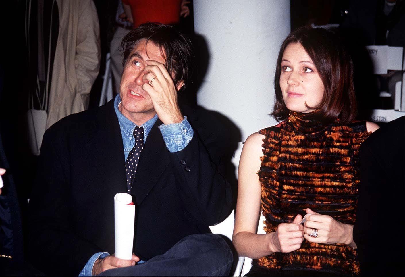 MIDTVEIS I EKTESKAPET: Bryan Ferry og Lucy Birley i 1993.