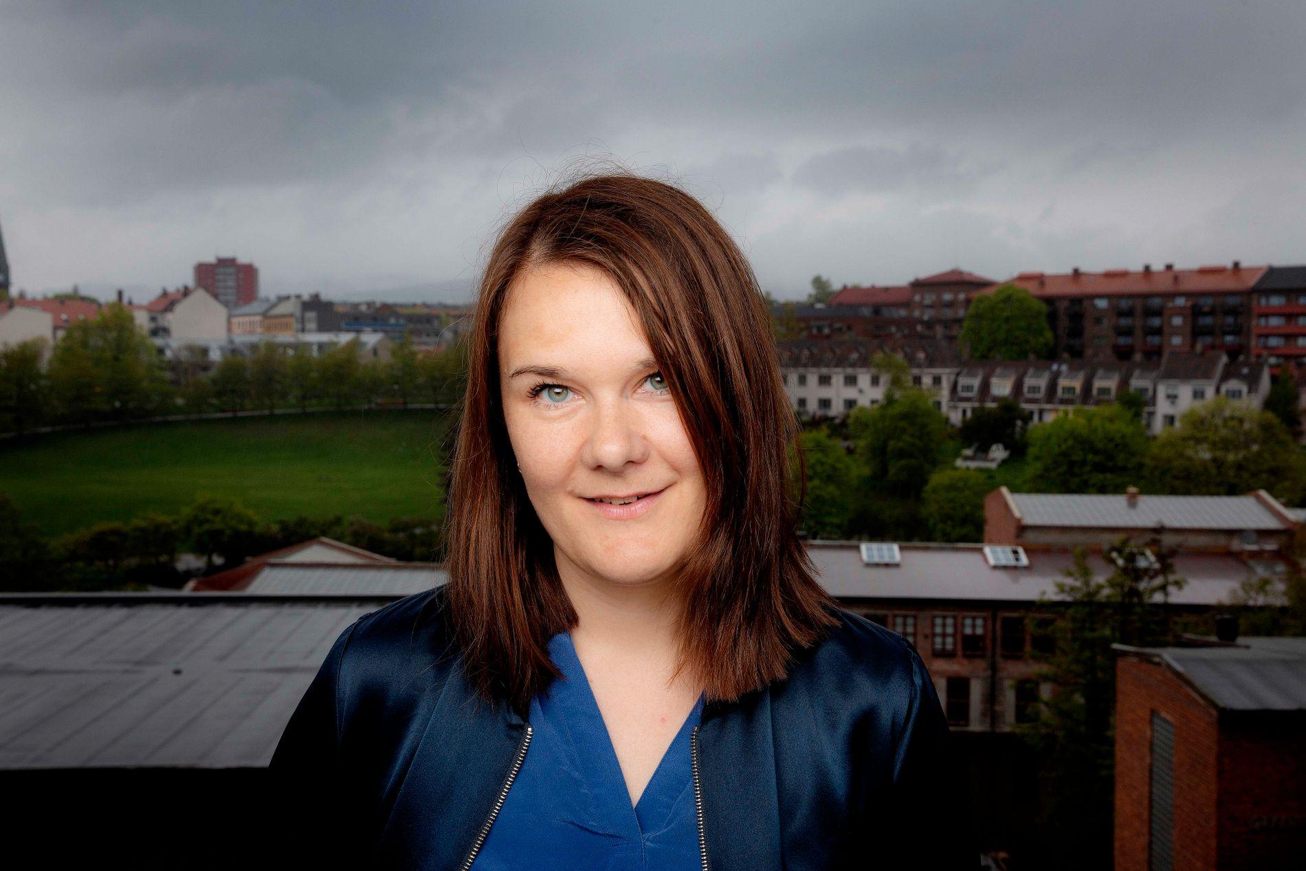 Marie Aubert har skrevet sin første roman «Voksne mennesker»