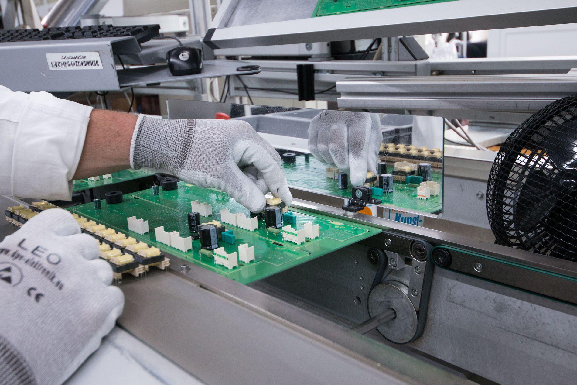 Elektronikken inne i maskinen gir gode muligheter for avansert analyse av programmene, og til innhenting av informasjon før vasken startes.