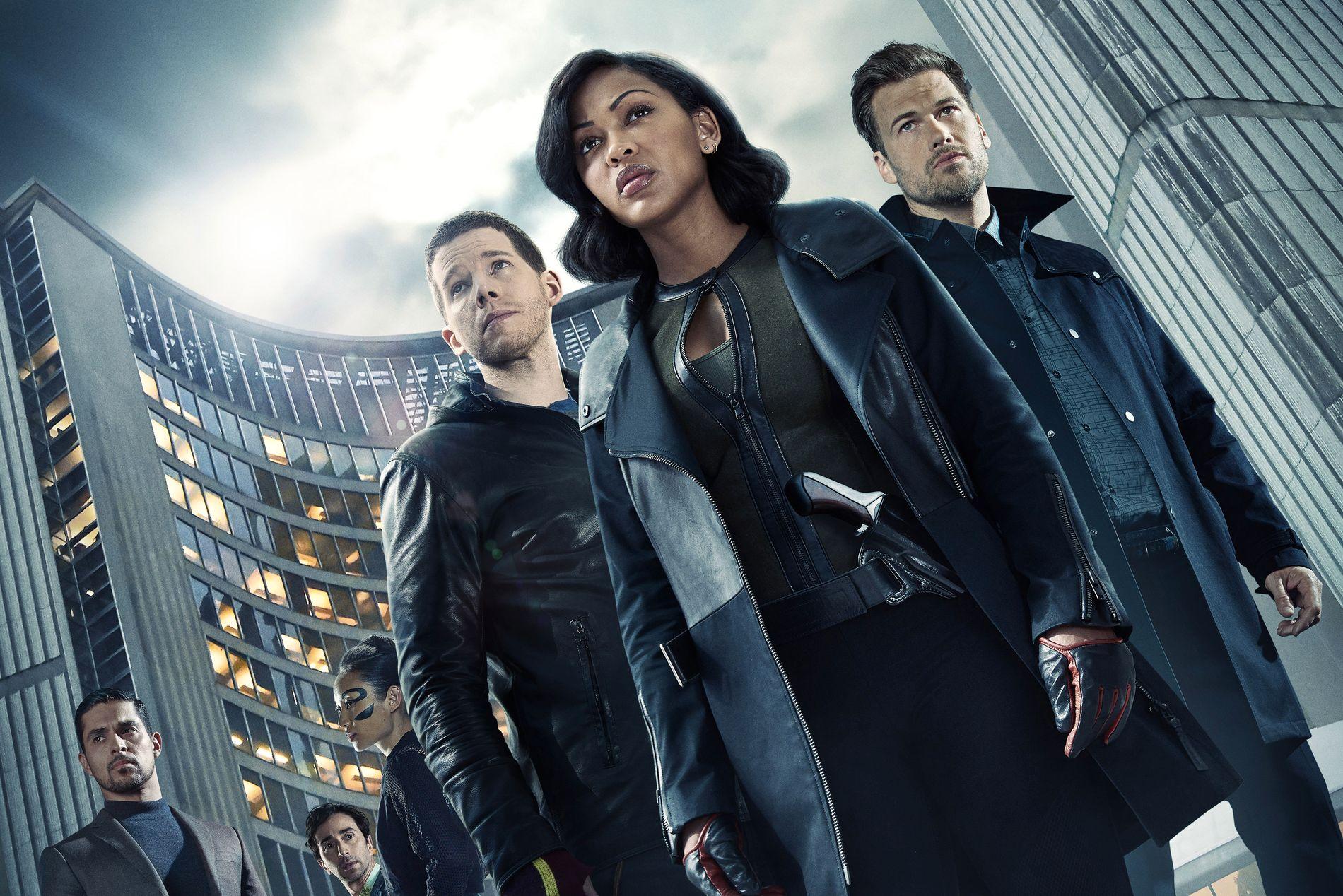 SCI-FI-KRIM: F.v. Wilmer Valderrama, Daniel London, Li Jun Li, Stark Sands, Megan Good og Nick Zano i «Minority Report».