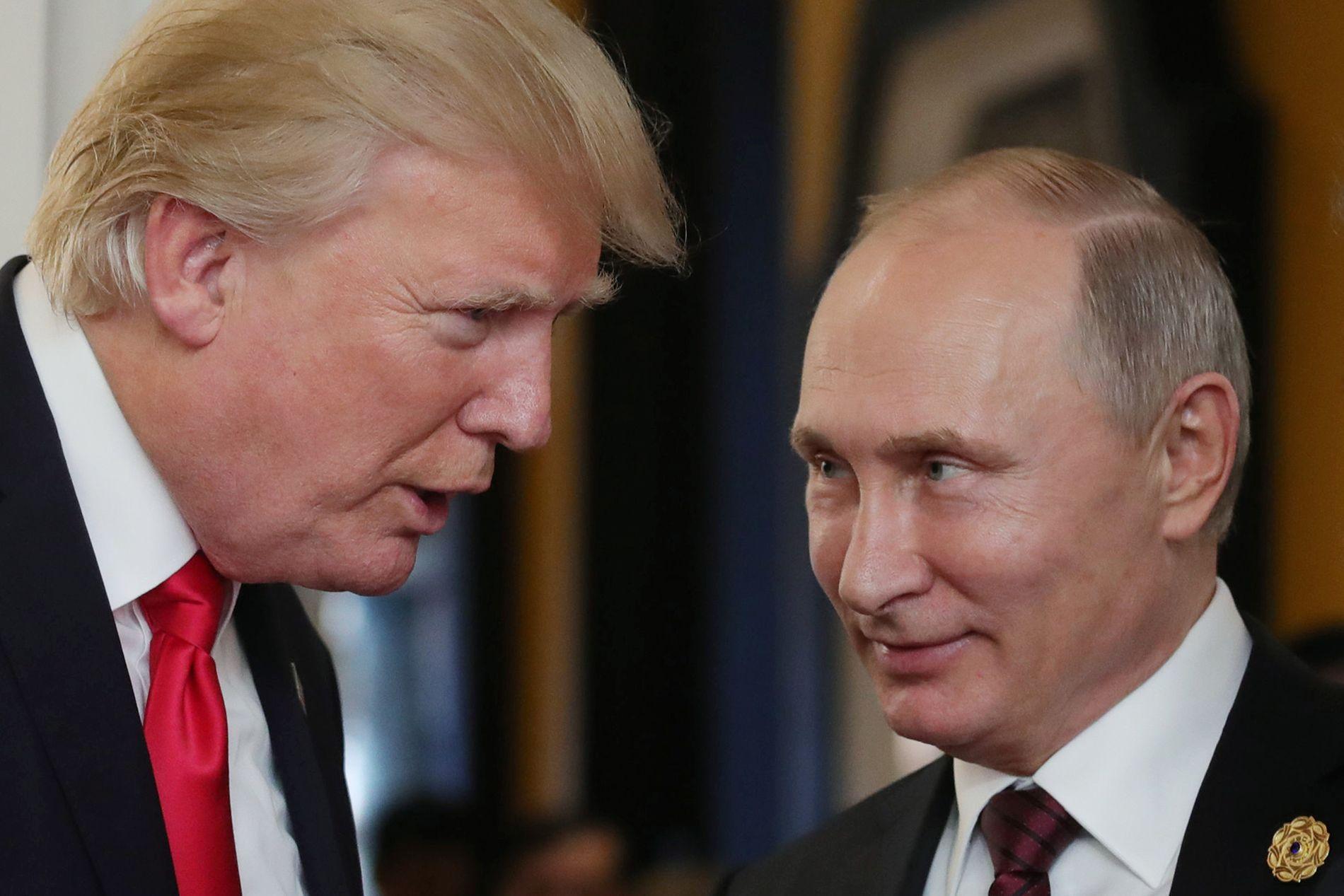 TOPP-MØTE: Det var tilsynelatende god stemning da Donald Trump og Vladimir Putin møttes i Vietnam i november.