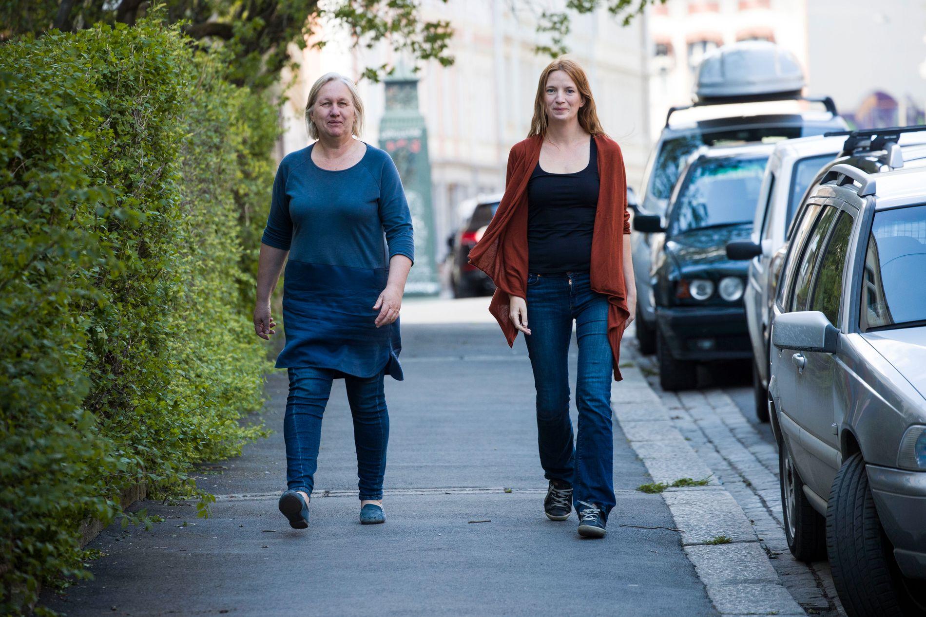 STÅR BAK: Tyra Ekhaugen og Ingeborg Rasmussen i Vista Analyse publiserte i mars i fjor rapporten «Bruken av private aktører i barnevernet – ansvar på avveie?».