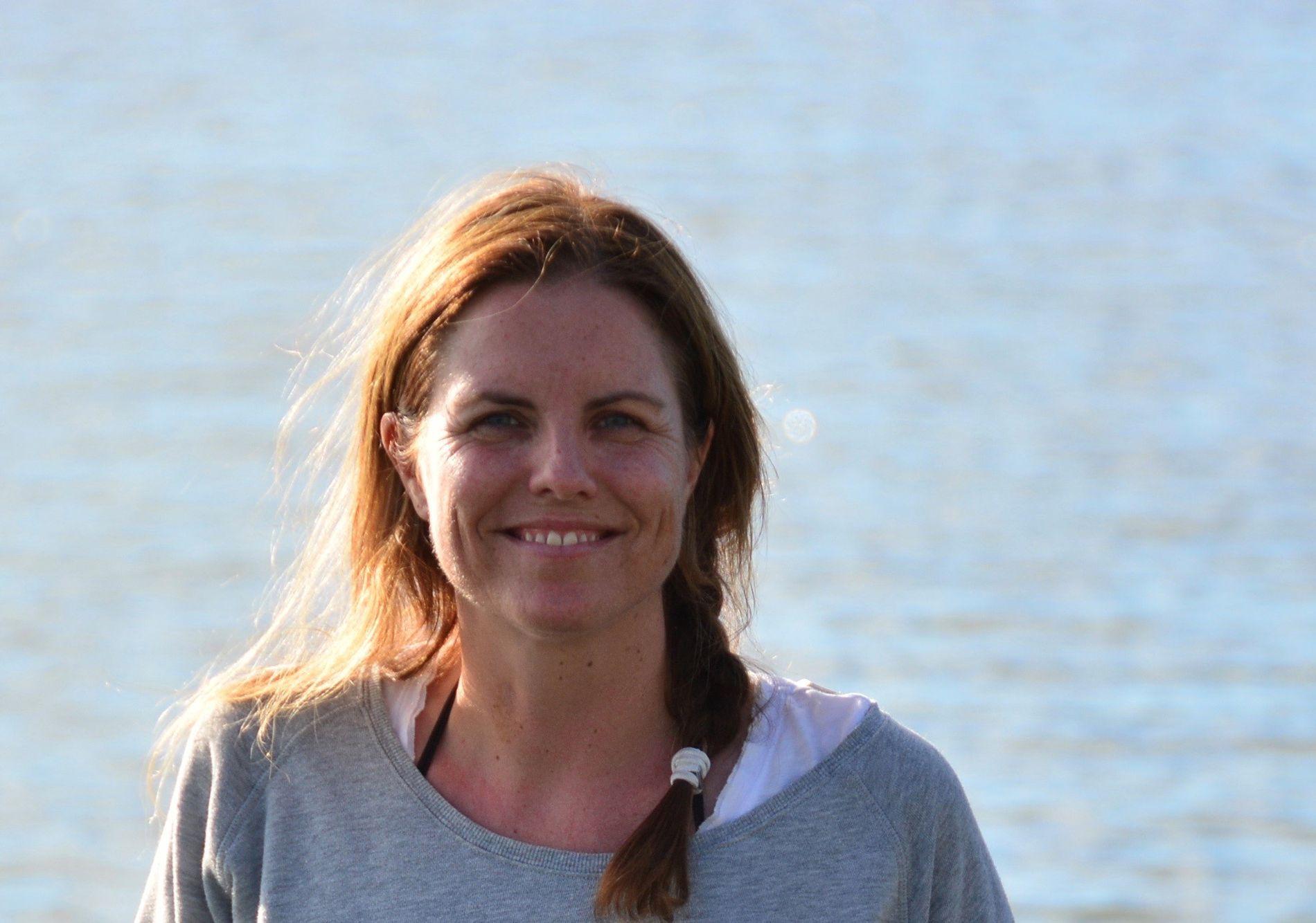 KRITISK: Karin Schaug i Norsk tollerforbund mener det er for lite penger og for dårlig bemanning på grensekontrollene.