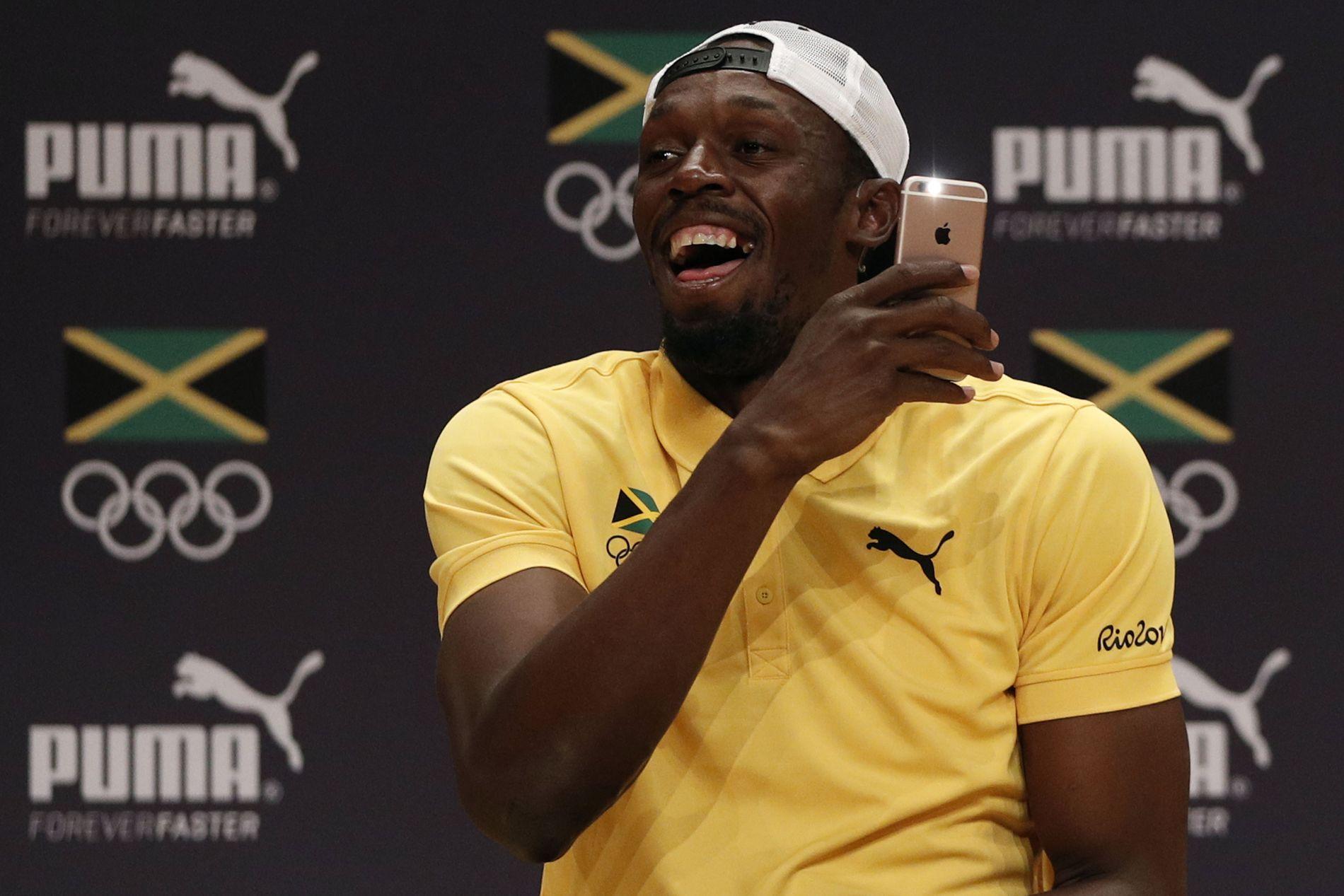 f1b14dda FILMET RAMM-SANG: Her filmer Usain Bolt reggae-sangen til Nicolay Ramm.  Foto: Adrian Dennis AFP
