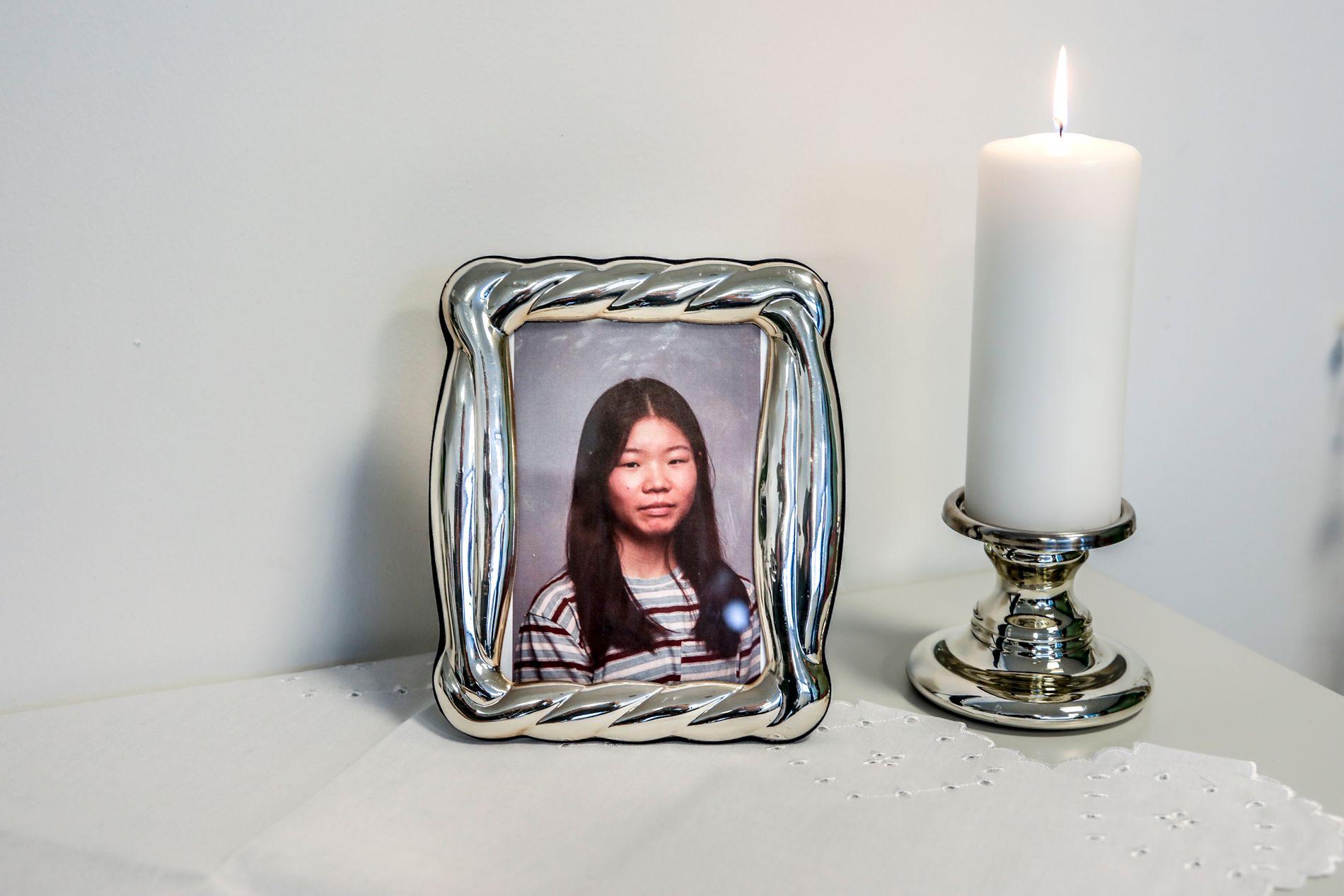 MINNES: Sandvika videregående skole holder åpent tirsdag for å minnes Johanne Zhangjia Ihle-Hansen som ble skutt og drept lørdag.