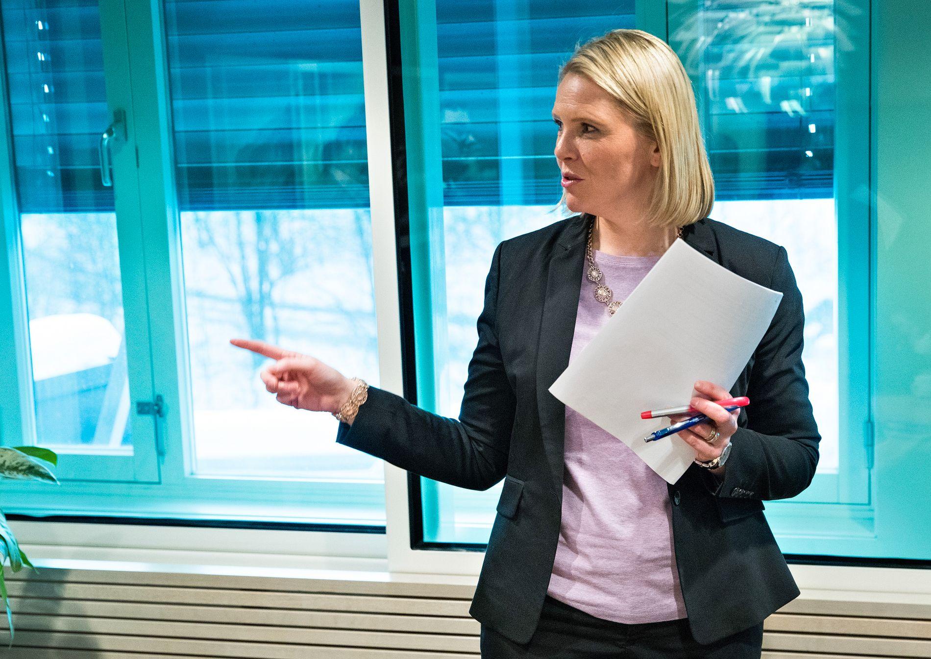 INNRØMMER SVIKT: Justisminister Sylvi Listhaug (Frp) innrømmer at både Politidirektoratet og departementet har sviktet i oppfølgingen av ID-prosjektet.