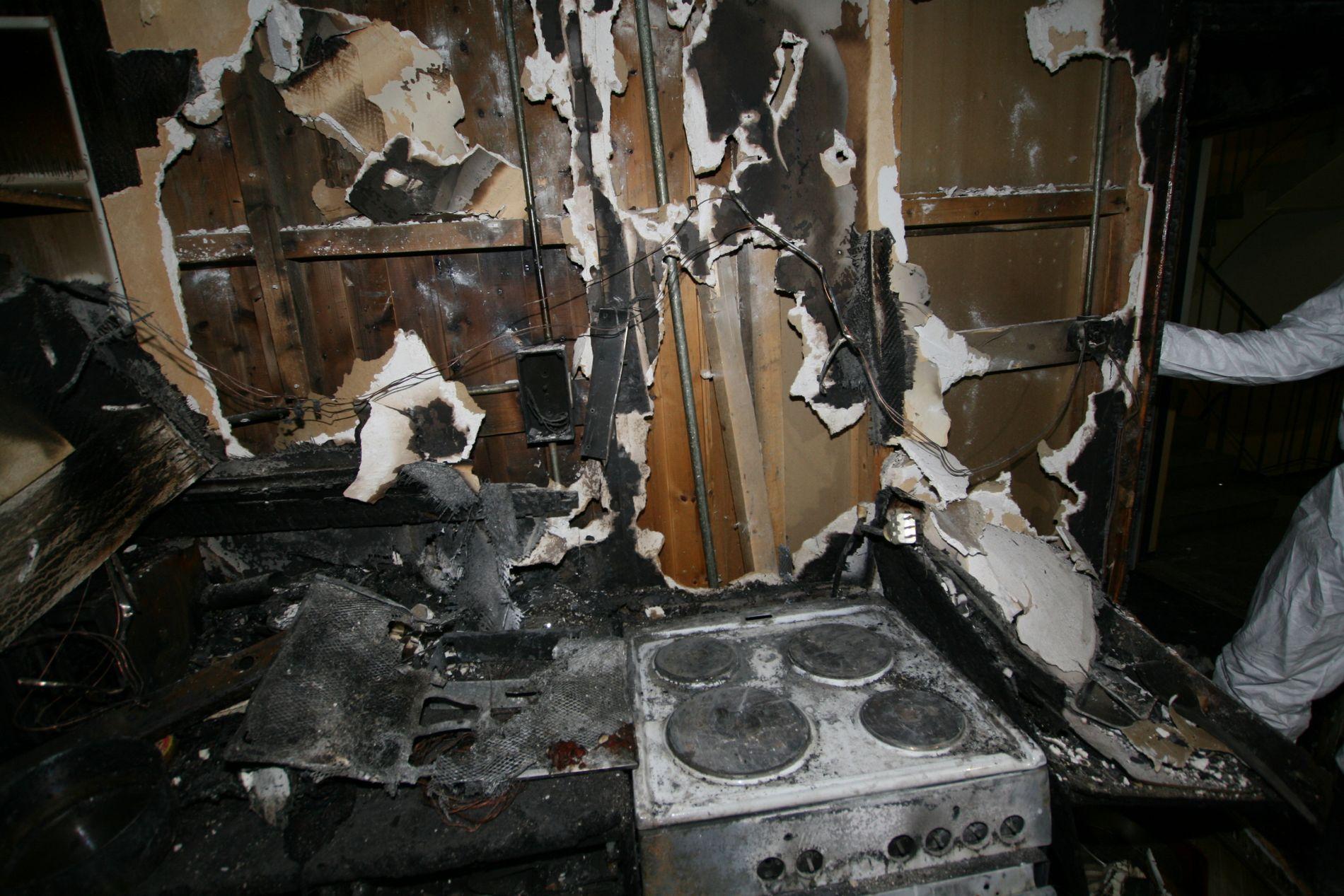 VERSTING: Veldig mange branner starter på kjøkkenet. Brannvesenet foreslår å legge komfyrvakt under juletreet til de som ikke har gått til anskaffelse av dette ennå.