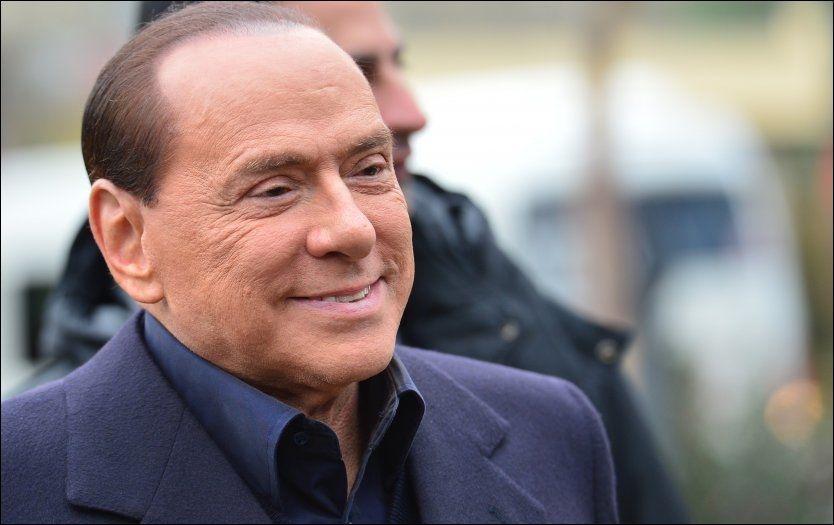 COMEBACK: Italias tidligere statsminister Silvio Berlusconi gir seg ikke, og håper han kan komme tilbake til makten etter valget i 2013. Foto: Guiseppe Cacace/Afp