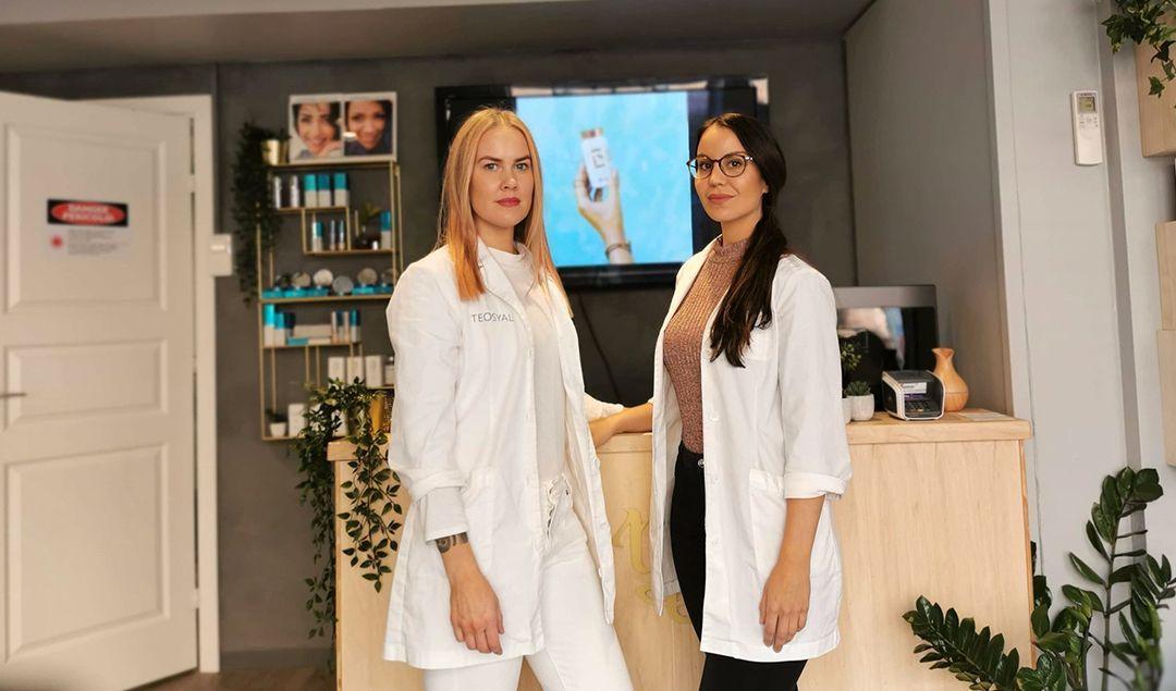 ANBEFALER BETAKAROTEN GOLD: Kosmetisk sykepleier Mariam Larsen (t.h.) med kollega Sigrid S. Iversen i Natural Beauty Clinic bruker selv produktet hele året rundt.