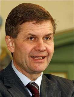 BEKYMRET: Miljø- og utviklingsminister Erik Solheim. Foto: Scanpix