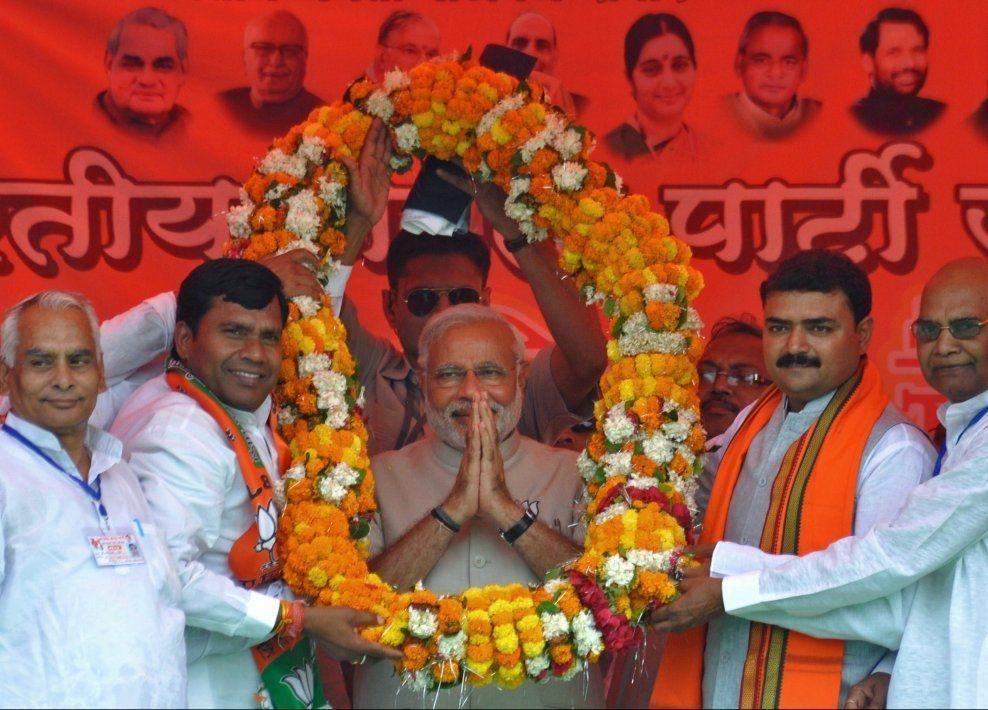 LEDER: Narendra Damodardas Modi (63) er stor favoritt til å bli Indias nye statsminister. Valgresultatet skal etter planen kunngjøres i neste uke. Foto: AFP.