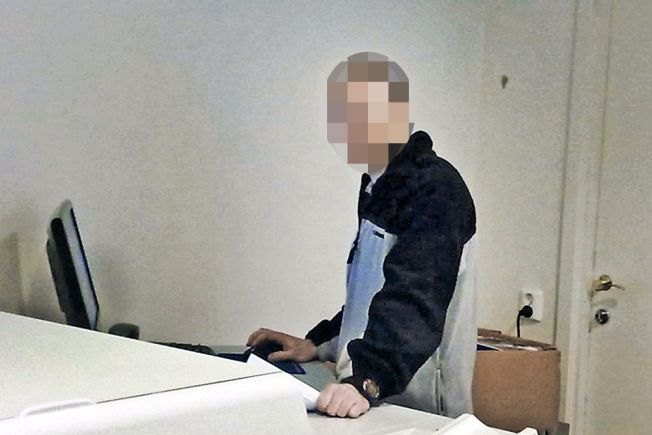 FANT BILDER: 43-åringen nekter for at han brukte arbeidsplassen til å se på ovegrepsbilder, men politiet hevder de fant det på hans jobb-PC.