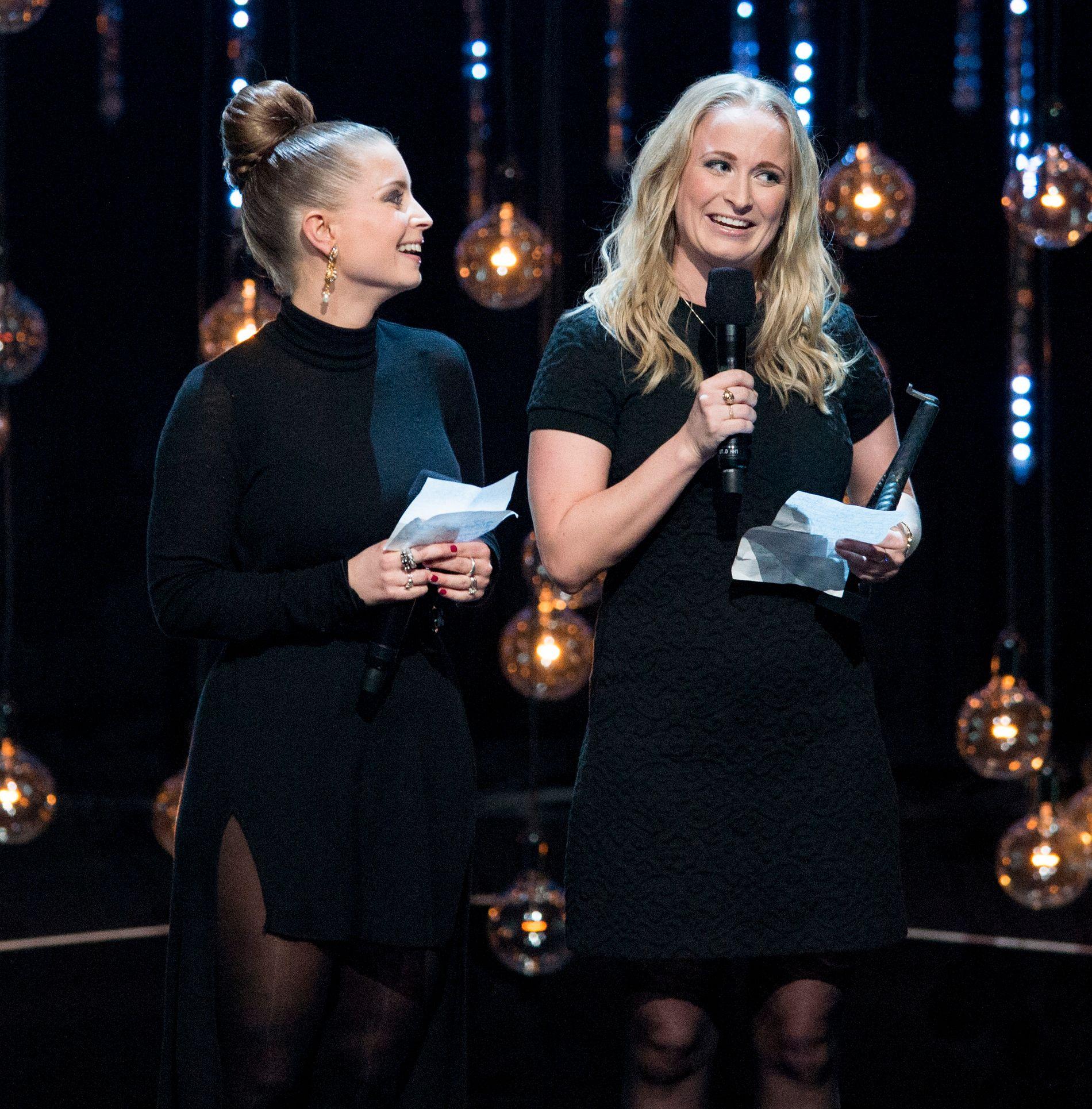 SENDTE SØSTRENE: Jenny og Johanne Gørvell-Dahll leste opp takketalen fra broren sin, Kygo, på Spellemannprisen i fjor. Foto: NTB SCANPIX