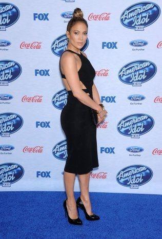 STORE STJERNER: Jennifer Lopez er bare en av mange stjerner Adelén havner i selskap med nå som hun er aktuell med låt på det nye VM-albumet. Foto: Pa Photos