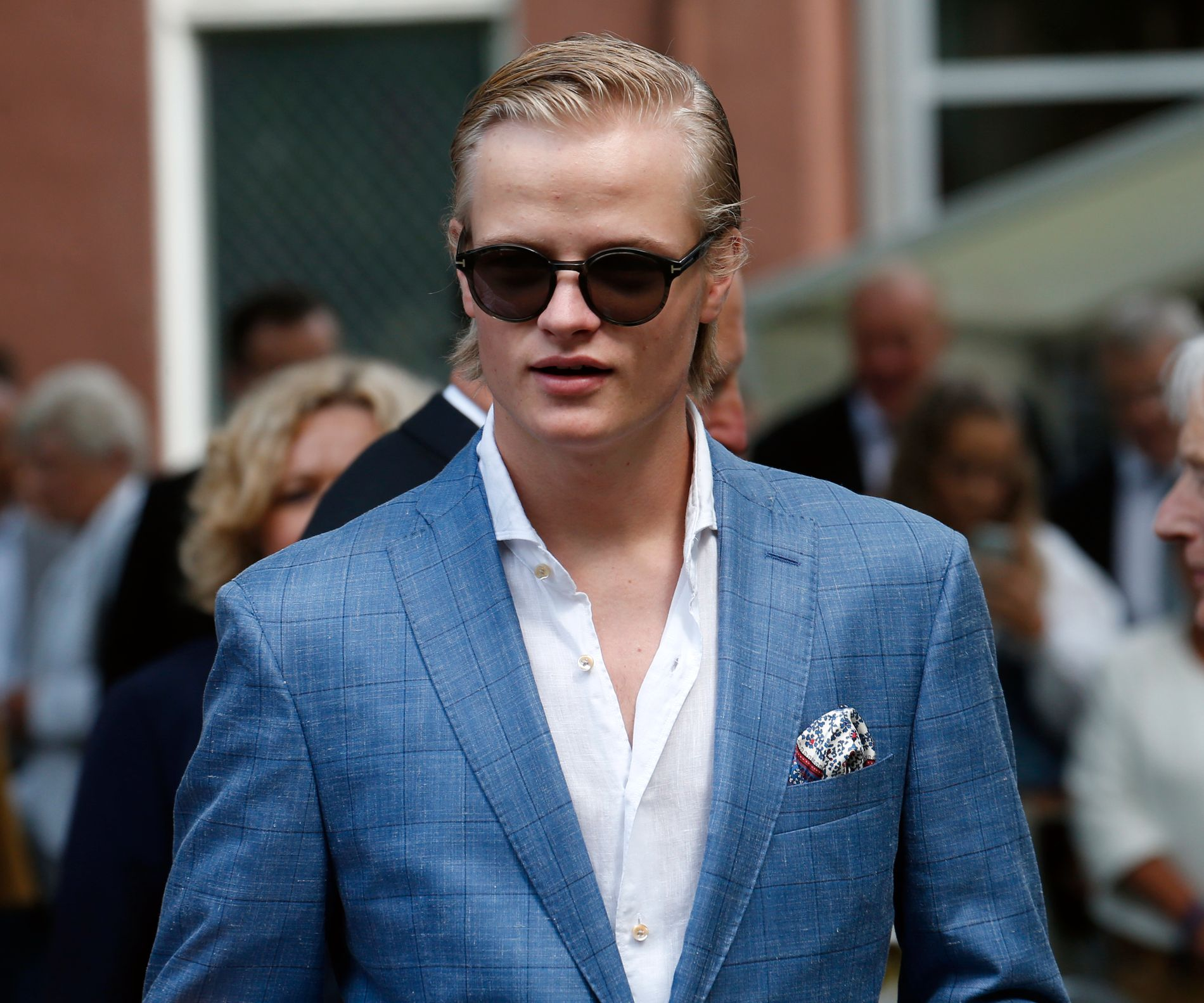 FINN.NO-BRUKER: Marius Borg Høiby, her avbildet under en feiring av kongeparets 25-årsjubileum i sommer, vil kvitte seg med flere luksusgjenstander på nettstedet som markedsfører seg som «Mulighetenes marked».