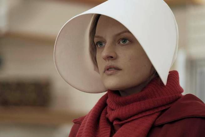 VANT: Elisabeth Moss fikk pris for rollen i «The Handmaid's Tale».