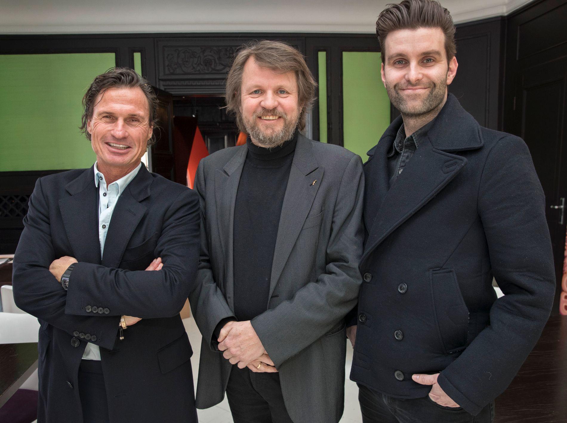 NY KOLLEGA: Tom Egeland (i midten) ble hentet fra Aschehoug til Capitana av Petter Stordalen og Jonas Forsang (t.h) tidligere i år.  Nå har de signert Eystein Hanssen som har gitt ut seks krimbøker på Cappelen Damm.