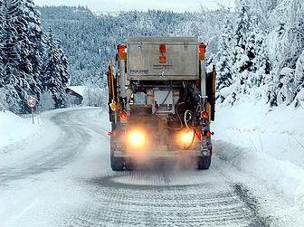 DÅRLIG DRIFT: Hvis fylkesveier skilles fra riksveier, kan strøbiler risikere å måtte kjøre uvirksomme langs strekninger mellom fylkesveiene, mener Mesta.