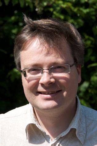 STORT: Forsker Håkon Dahle ved Universitetet i Oslo, sier til VG at oppdagelsen er en stor hendelse som åpner nye vinduer innenfor fysikken.