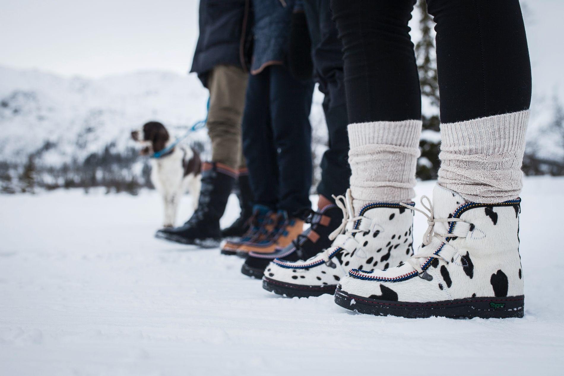 MANGE VARIANTER: Topaz har et stort sortiment av sko, støvler og tøfler - alle i rene naturmaterialer av høy kvalitet.