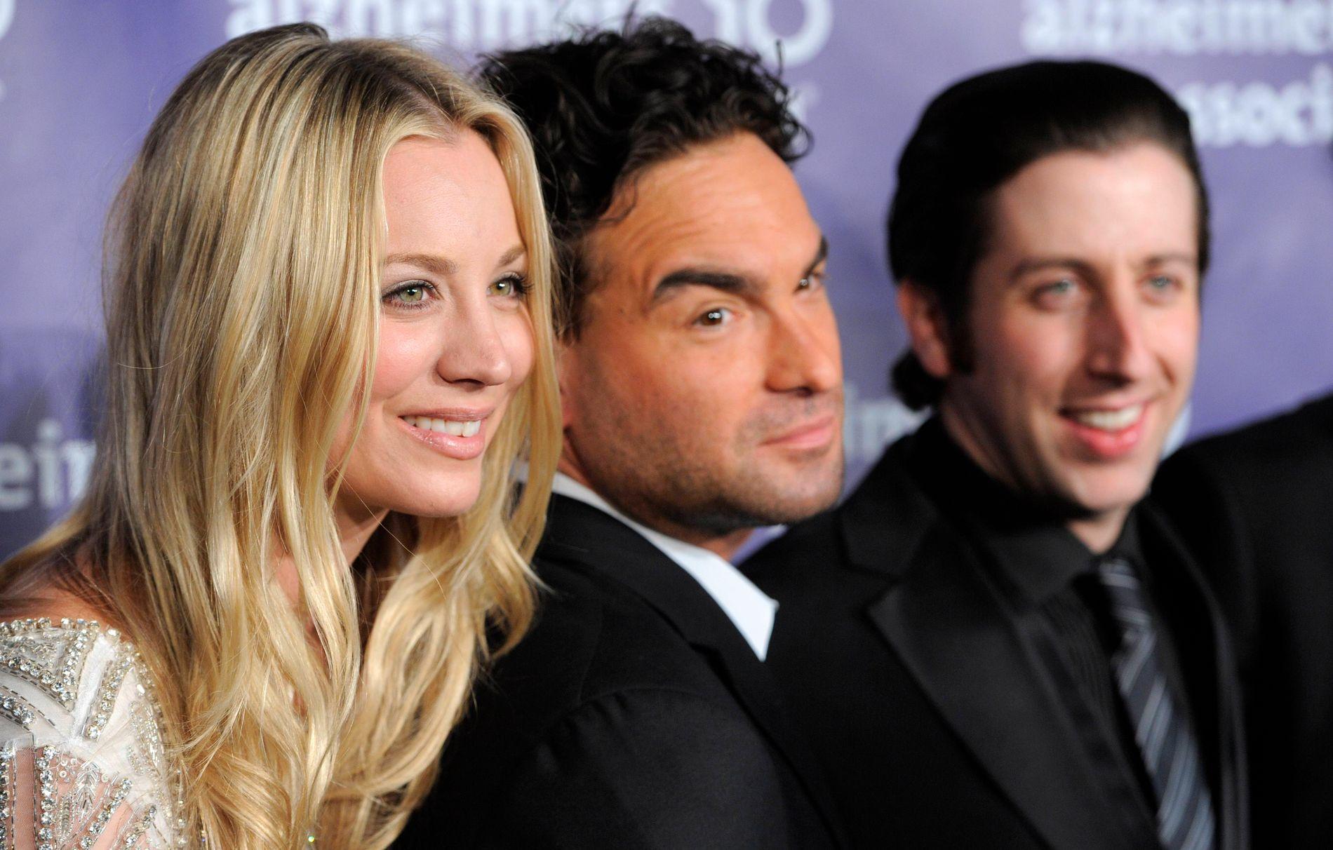 POPULÆR TRIO: Kaley Cuoco, Johnny Galecki og Simon Helberg i «Big Bang Theory».