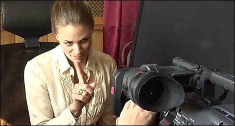 I AKSJON: Her spiller Jenny Skavlan inn webcam-scenene. Foto: Merete Gamst