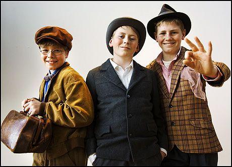 HELMAKS: Den tredje generasjonen av Olsenbanden junior, til venstre, Jonas Hoff Oftebro (Kjell). Oskar Øiestad (Egon), Fridtjov Tangen (Benny). Foto: Froden Hansen
