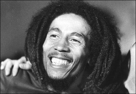 LÅTSKRIVEREN DØDE: Samarbeidsprtneren til raggae-legenden Bob Marley (bildet), Vincent Ford, er død. Foto: AFP
