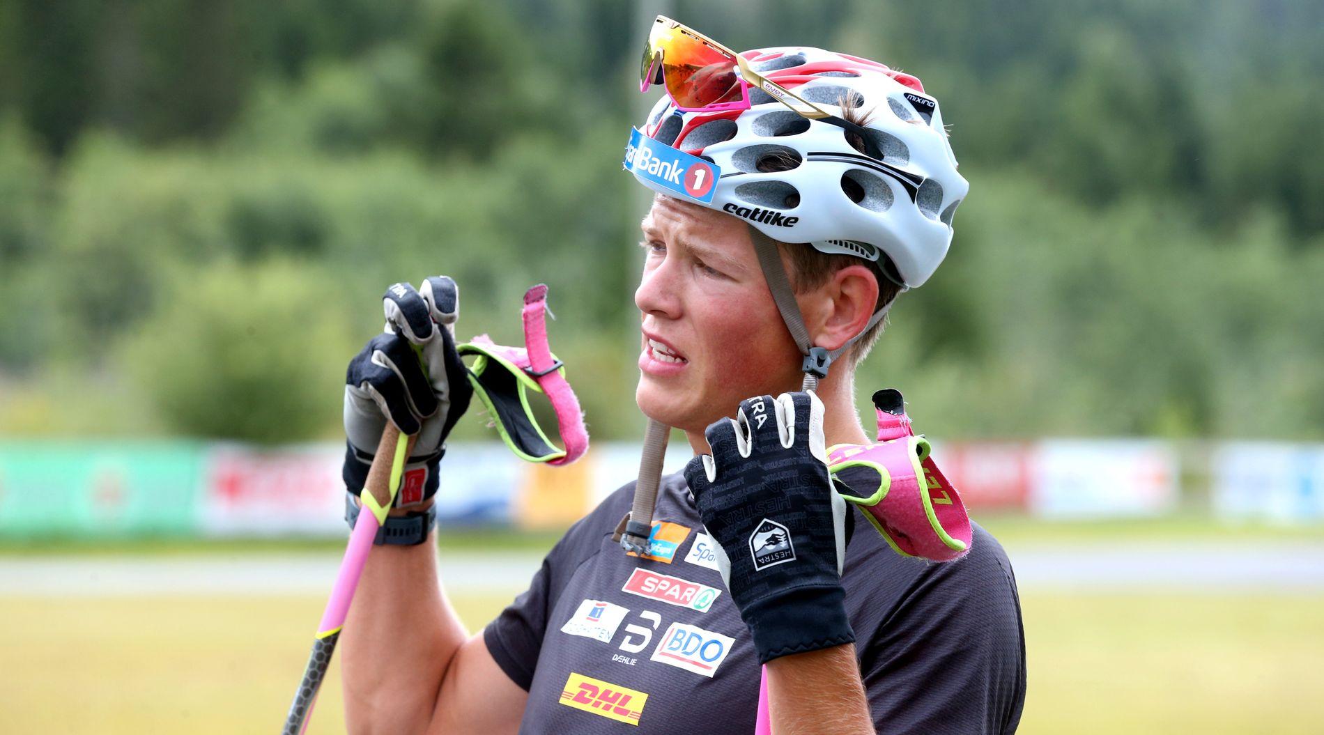 PÅ LANDSLAGET: Johannes Høsflot Klæbo har byttet fra sprint- til allroundlandslaget denne sesongen. Her er han fotografert på samling i Steinkjer.