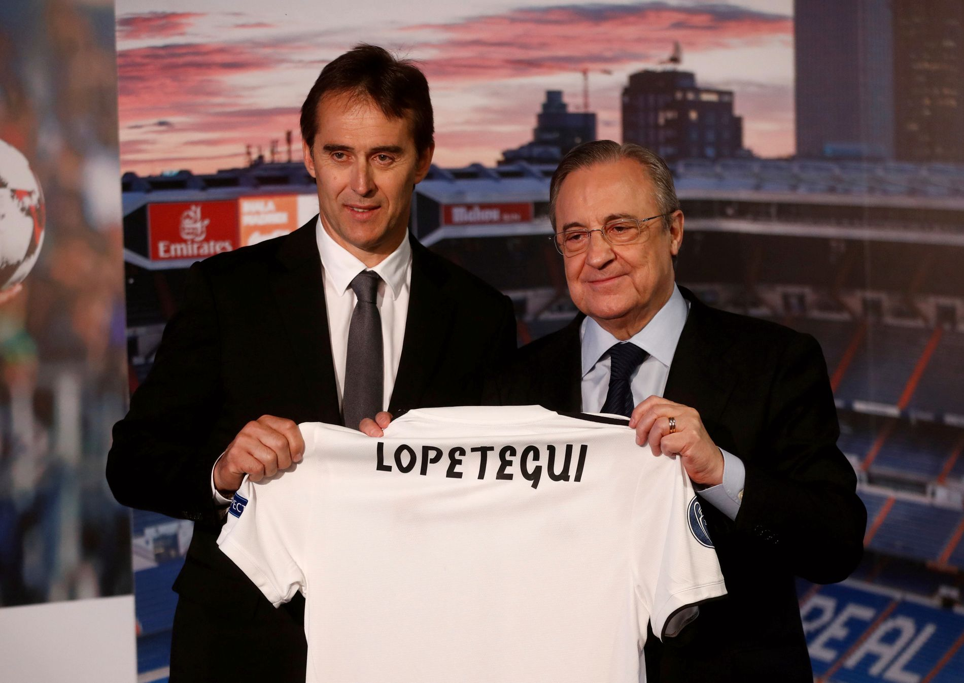 FIRE MÅNEDER: I juni ble Julen Lopetegui presentert av president Florentino Pérez som ny Real Madrid-trener. Litt over fire måneder senere fikk han sparken.