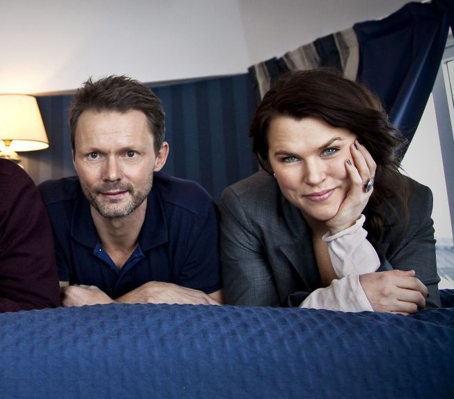 PAR I«SOLSIDAN»:  Felix Herngren og Mia Skäringer spiller par i den enormt populære TV-serien som på det meste har hatt 2,5 millioner seere i Sverige.