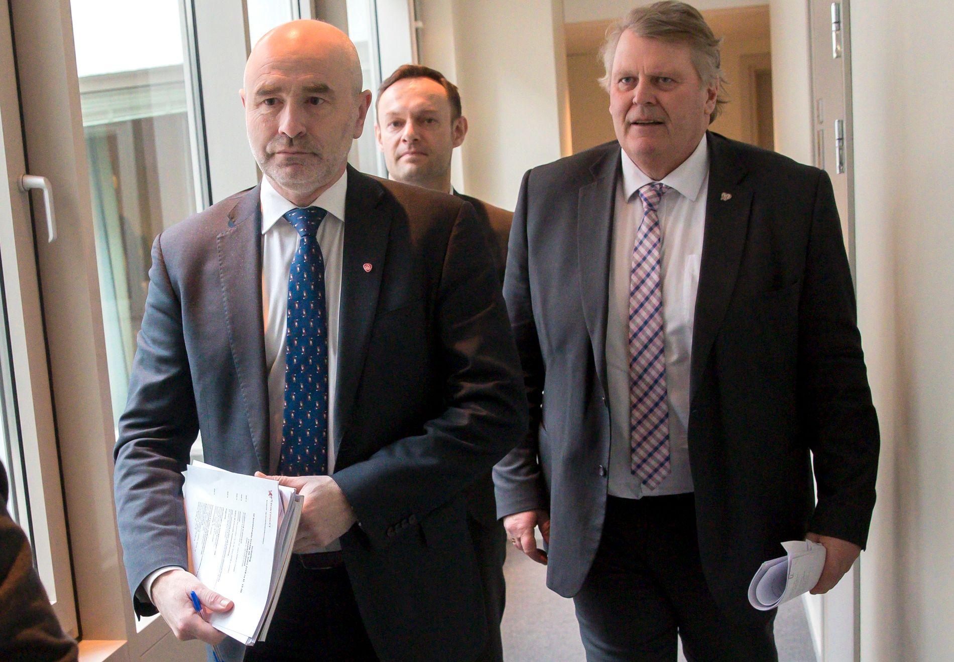 KALLER INN STATSMINISTEREN IGJEN: En samlet kontrollkomite, er ved leder Dag Terje Andersen (Ap), Torgeir Knag Fylkeses (SV) og Hans Fredrik Grøvan (KrF).